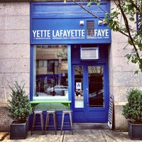 Foto tirada no(a) Lafayette Espresso Bar + Marketplace por christian svanes k. em 8/29/2013