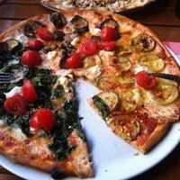 Foto tomada en Miss Pizza por Deniz D. el 2/3/2013
