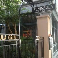 Foto scattata a Peninsula Grill da Larry H. il 7/13/2013