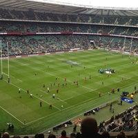 Das Foto wurde bei Twickenham Stadium von Alex H. am 11/17/2012 aufgenommen