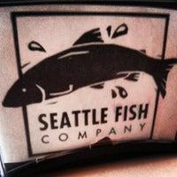Foto diambil di Seattle Fish Company oleh Ty W. pada 7/25/2013