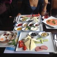 5/27/2014にözden y.がChaplin Cafe & Restaurantで撮った写真