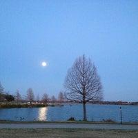 Photo prise au White Rock Lake par Kat T. le2/25/2013