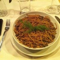 Photo prise au Bien! Gastronomia Funcional par Karen G. le6/2/2013
