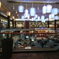Снимок сделан в Maplewood Mall пользователем Mr. E. 4/5/2013