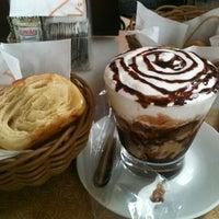 2/9/2013에 Amanda C.님이 Fran's Café에서 찍은 사진