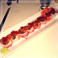 Photo prise au Naru Restaurant & Lounge par Naru Restaurant & Lounge le5/19/2016