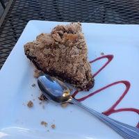 Das Foto wurde bei Upper Crust Pie & Bakery von Basil M. am 2/18/2014 aufgenommen