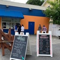 Foto diambil di Sweet Melissa's Ice Cream Shop oleh Mark pada 5/30/2020