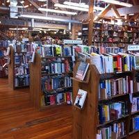 Foto scattata a Elliott Bay Book Company da Stephen D. il 5/4/2013