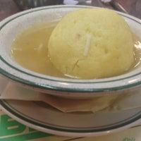 Das Foto wurde bei Ben's Kosher Delicatessen von Cathleen R. am 5/2/2013 aufgenommen