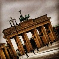 5/25/2013 tarihinde Fernanda S.ziyaretçi tarafından Brandenburg Kapısı'de çekilen fotoğraf