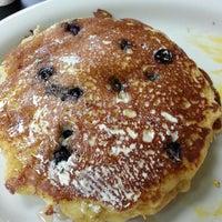 Foto tirada no(a) Bakery Mill & Deli por Vicky K. em 10/27/2013