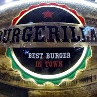 1/18/2014 tarihinde Sertan Ç.ziyaretçi tarafından Burgerillas'de çekilen fotoğraf