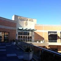 Foto tirada no(a) Perimeter Mall por DJ Bobby D. em 1/20/2013