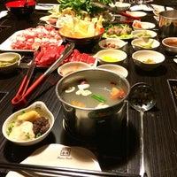 Foto scattata a 99 Favor Taste 99號餐廳 da douglas il 3/8/2014