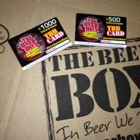 2/26/2013 tarihinde BeerBox STAFFziyaretçi tarafından The Beer Box'de çekilen fotoğraf