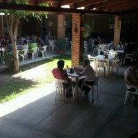 Foto tomada en La Terraza Carnitas por Chino G. el 10/19/2012