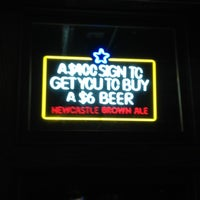 Foto tirada no(a) Finley Dunne's Tavern por Jason K. em 2/3/2013