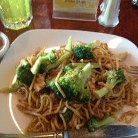 รูปภาพถ่ายที่ Thai Chili โดย H H Greg S. เมื่อ 12/22/2012