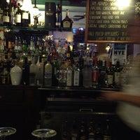Снимок сделан в Four Farthings Tavern & Grill пользователем Matt L. 12/28/2012