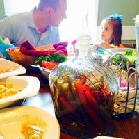 Foto diambil di Walnut Hills Restaurant & Round Table oleh amy f. pada 6/8/2014