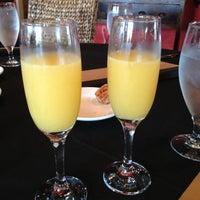 รูปภาพถ่ายที่ The Warren City Club โดย Melissa B. เมื่อ 10/28/2012