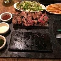 Das Foto wurde bei Abacco's Steakhouse von Şeniz C. am 11/30/2017 aufgenommen