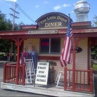 Photo prise au The Little Depot Diner par Linda L. le8/11/2013