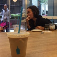 Foto tomada en Blue Bottle Coffee  por Rawan D. el 9/9/2018