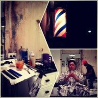 Снимок сделан в Blind Barber пользователем Casey M. 10/3/2012