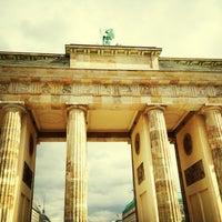 4/13/2013 tarihinde Frank G.ziyaretçi tarafından Brandenburg Kapısı'de çekilen fotoğraf