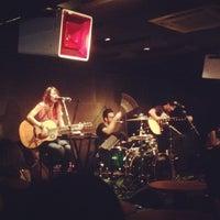 Foto scattata a Wala Wala Cafe Bar da Xavier S. il 11/21/2012