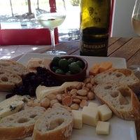 6/23/2014 tarihinde Stephanie L.ziyaretçi tarafından Vivant Fine Cheese'de çekilen fotoğraf