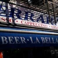 Foto tomada en La Bella Ferrara por Funhiguy el 10/11/2012