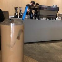 11/7/2018 tarihinde Rziyaretçi tarafından Blue Bottle Coffee'de çekilen fotoğraf