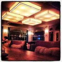 Das Foto wurde bei Uno Restaurant von Erhan B. am 4/7/2013 aufgenommen