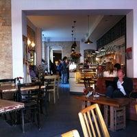 Das Foto wurde bei Café KRONE von Vadim M. am 9/29/2012 aufgenommen