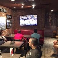 6/8/2015 tarihinde Nathaniel B.ziyaretçi tarafından Pizza on Pearl'de çekilen fotoğraf