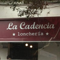 Foto tomada en La Cadencia Lonchería por Andres N. el 7/4/2013