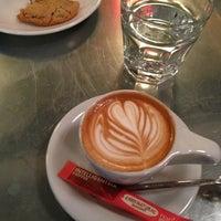 5/25/2013에 Alan Z.님이 Intelligentsia Coffee에서 찍은 사진