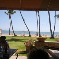 Foto diambil di Las Palmas Cafe @ Copamarina Beach Resort oleh Mark P. pada 3/27/2013