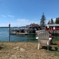 Photo taken at McLoons Lobster Shack by Rachel L. on 9/5/2020