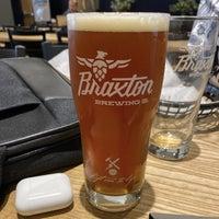 รูปภาพถ่ายที่ Braxton Brewing Company โดย Chris V. เมื่อ 10/26/2019
