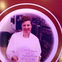 Foto tirada no(a) Mama Gina's Italian Restaurant & Pizzeria por Lisa S. em 12/24/2013