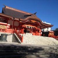 Foto diambil di Hanazono Shrine oleh Yuya O. pada 9/28/2012