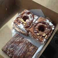 Снимок сделан в Chocolate Crust пользователем Maribel O. 5/30/2014