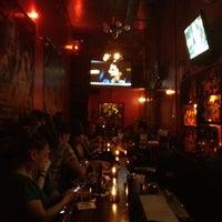 รูปภาพถ่ายที่ The SKINnY Bar & Lounge โดย Edie C. เมื่อ 9/14/2012