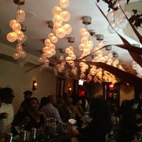 11/25/2012 tarihinde Edie C.ziyaretçi tarafından Cove Lounge'de çekilen fotoğraf