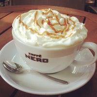Das Foto wurde bei Caffè Nero von Ekrem D. am 7/5/2013 aufgenommen